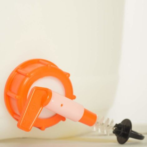 Petite brosse pour robinet